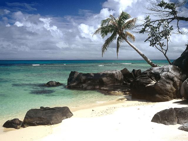 Tropická pláž ostrova Sainte Marie, Madagaskar